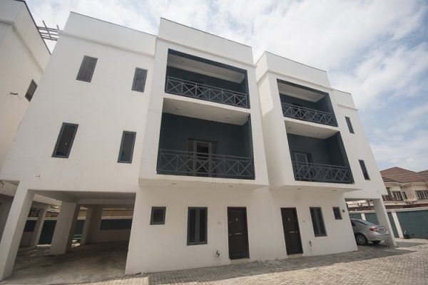5 Bedroom Semi-Detached House in Osapa-London