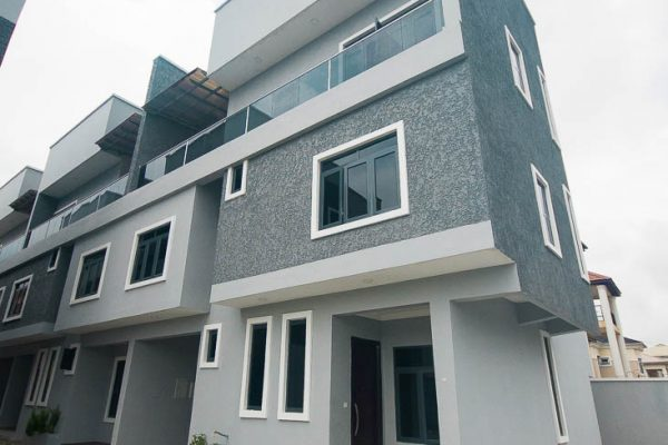 5 Bedroom Terraced House For Sale in Lekki Phase 1