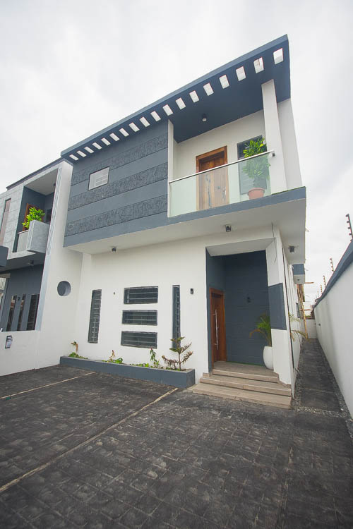 4 Bedroom Semi Detached House For Sale in Lekki
