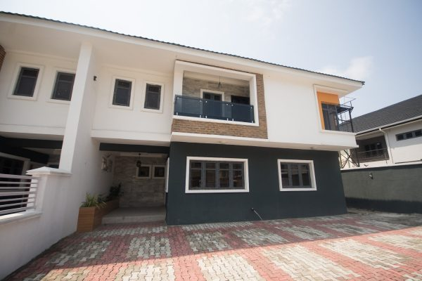 5 Bedroom House For Sale in Lekki Phase 1